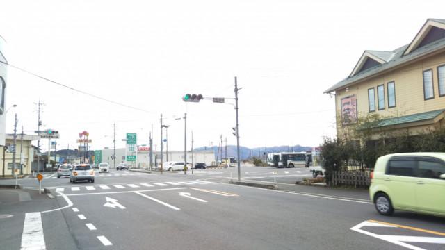 JR勝間田駅の交差点